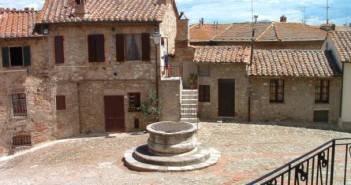 Castiglione d'Orcia - Piazza Il Vecchietta