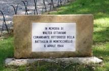Monticchiello_lapide_battaglia_partigiani_19440406
