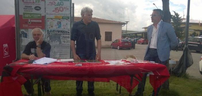 Tiziano Lazzerelli CGIL - durante un intervento sulla crisi di Floramiata