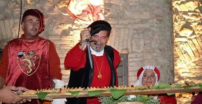 Contignano. Torna la Festa medievale con il gran banchetto al Castello rievocando la costituzione in libero Comune