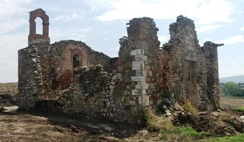 Val_dOrcia_Gallina_oratorio_prima_restauro