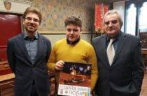 Da sx: Sindaco Federico Balocchi, Nicholas Bani e l'Assessore Alessandro Ciaffarafà