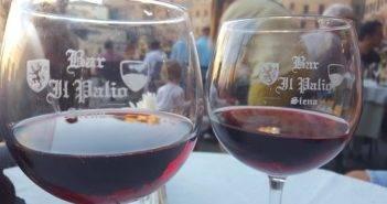 Siena_Bar_Il_Palio_bicchiere_vino_01