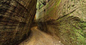 Pitigliano_Via_Cave_01