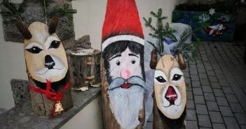 """Piancastagnaio. """"A Natale, ogni scherzo non vale…""""; ladruncoli portano via i tronchetti di Babbo Natale lungo la provinciale che attraversa le frazioni"""